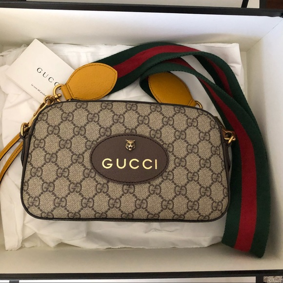 Gucci Handbags - Gucci GG Supreme Messenger Bag 937e10c12dee8